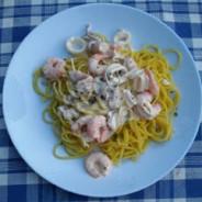 Delicious saffron spaghetti with a cream prawn and squid sauce recipe